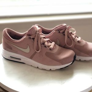 Nike blush pink sneakers
